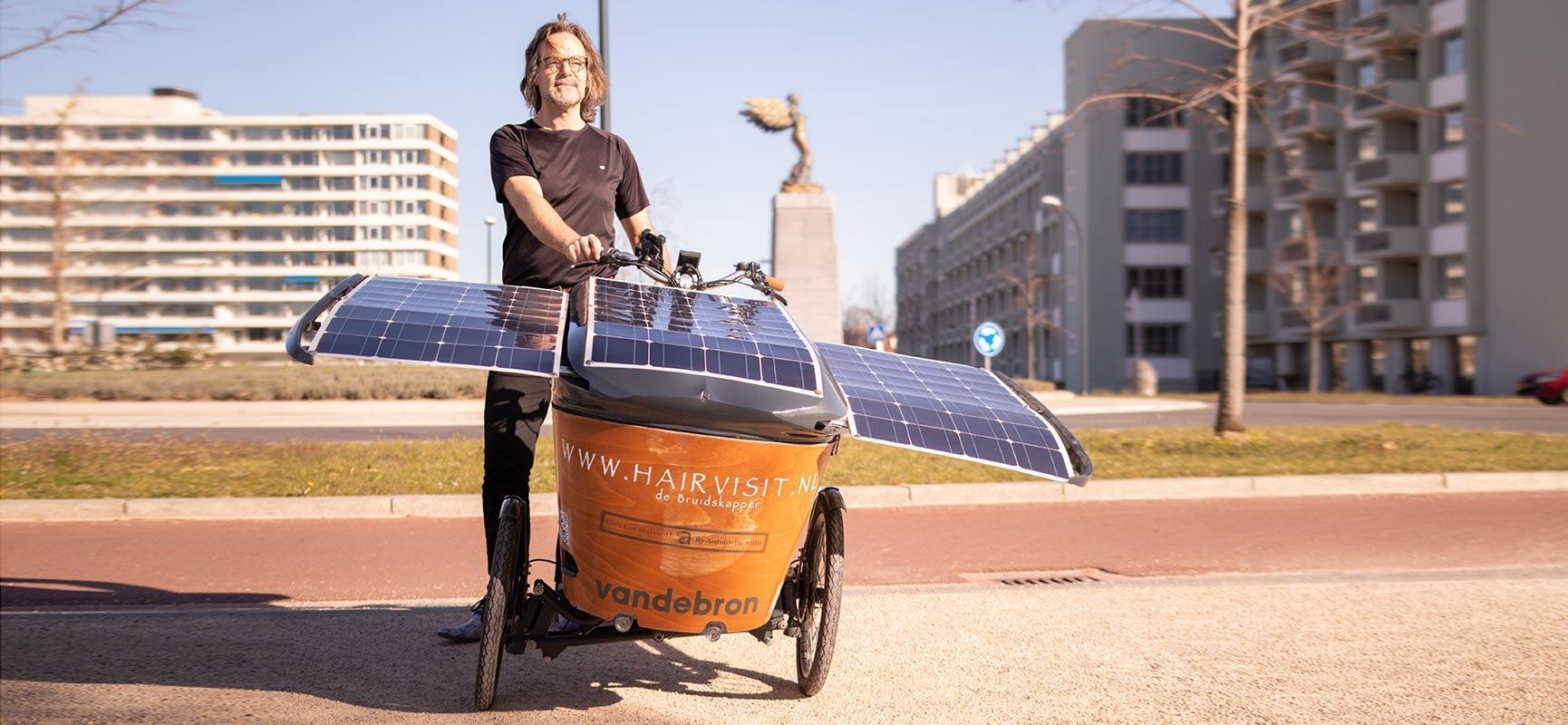Destination Glasgow à vélo cargo avec panneaux solaires